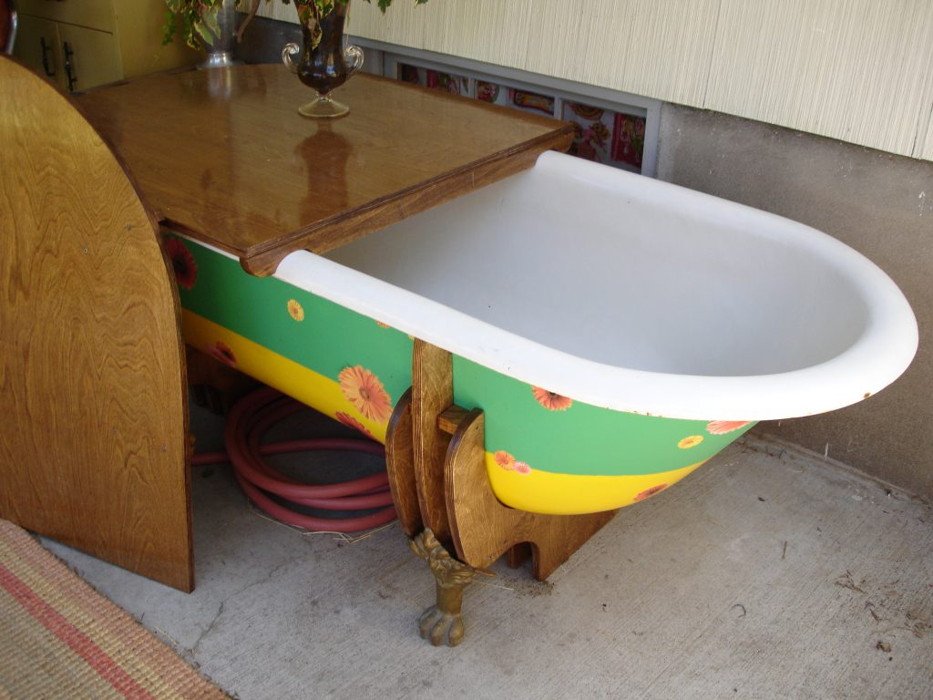 tub with top off